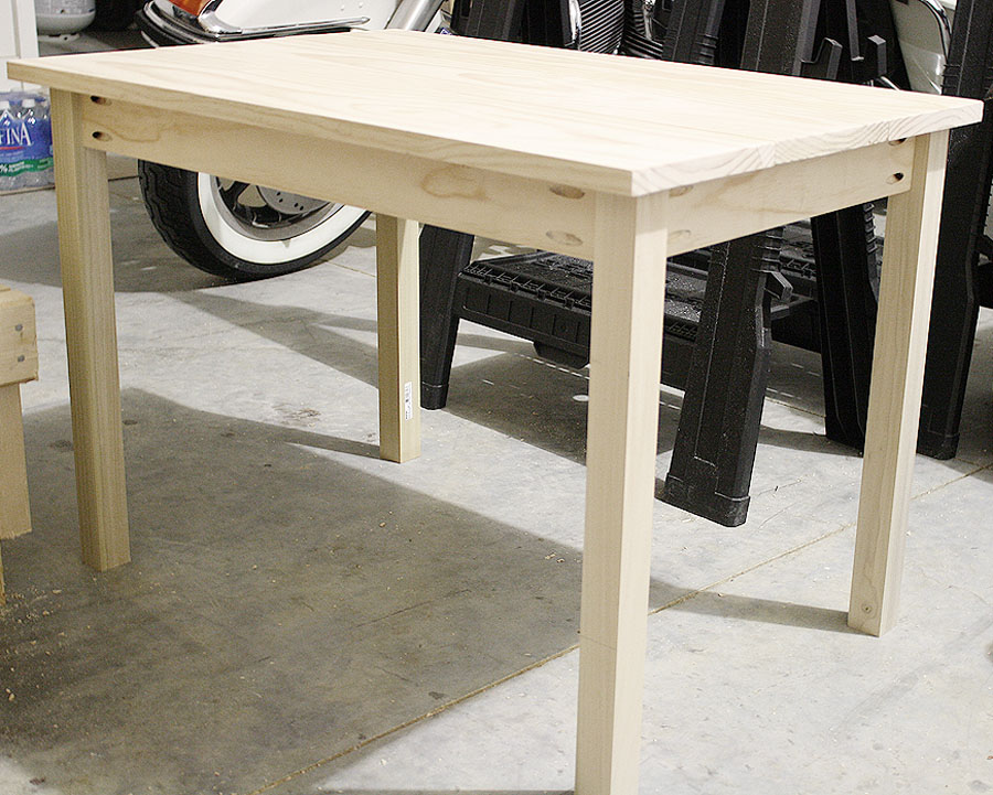 How to build a DIY Kids Play Table
