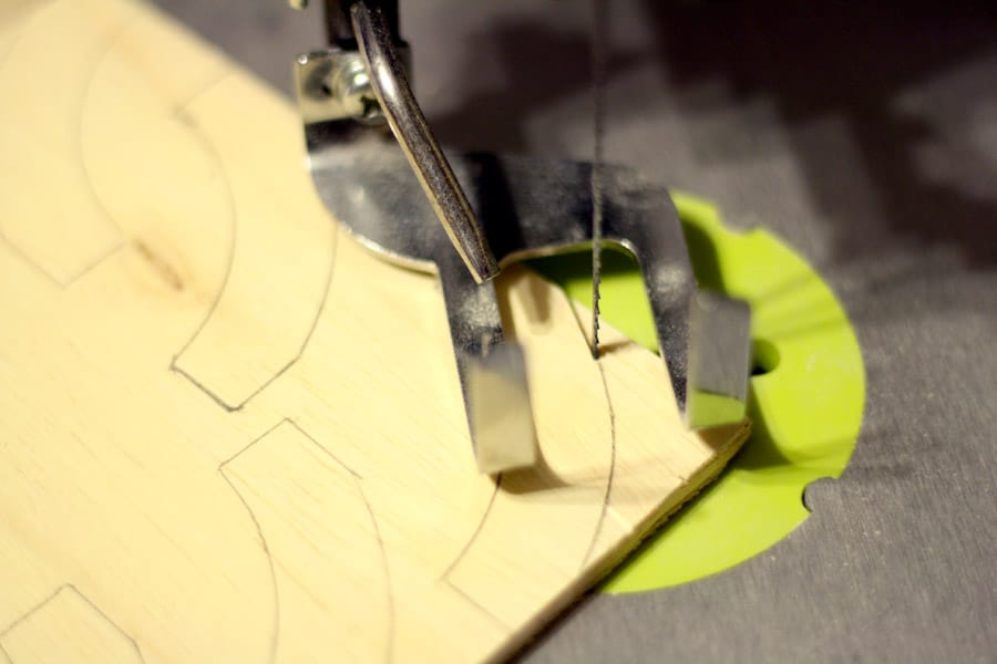 cutting curves with a scroll saw