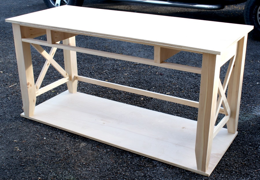 How to build a DIY writer's desk. Tutorial and free plans by Jen Woodhouse | The House of Wood