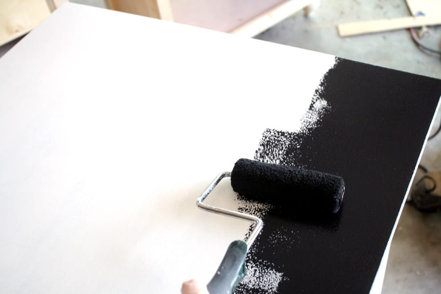 How to paint a DIY desk
