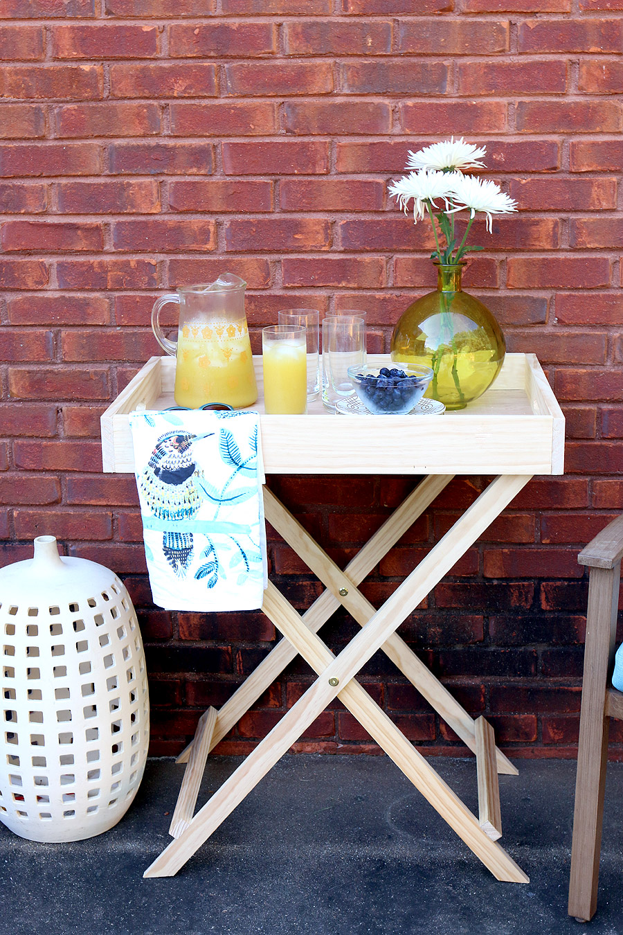 Tutorial on how to build a DIY West Elm-inspired Butler Stand