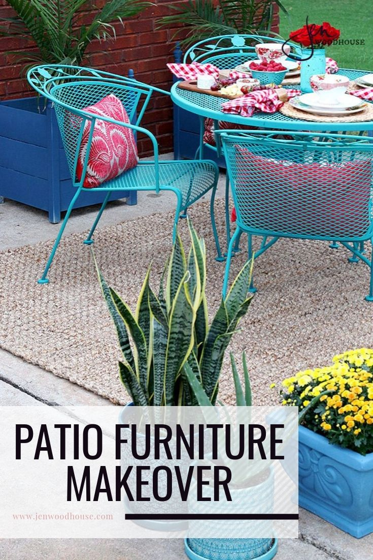 Chalk paint does wonders to this wrought iron patio set! | Patio set makeover | Jen Woodhouse #jenwoodhouse #patiomakeover #patiofurnitureDIY