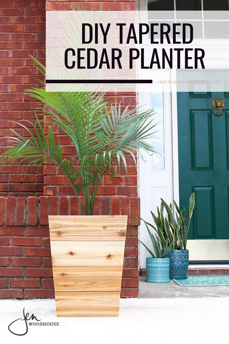 Easily make these tapered cedar planters with the tutorial from Jen Woodhouse | DIY planteres | #jenwoodhouse #DIYplanter