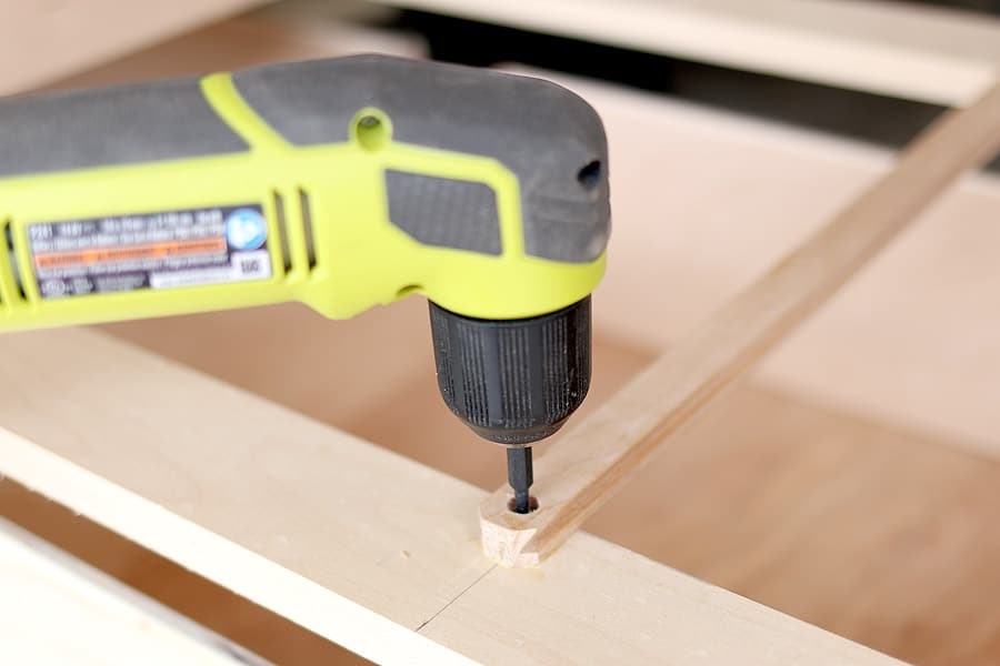 Installing drawer slides