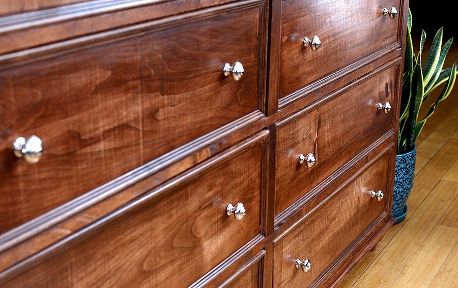 donny-dresser-closeup01