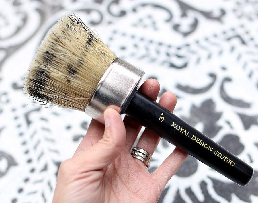 concrete-rug-stencil-brush