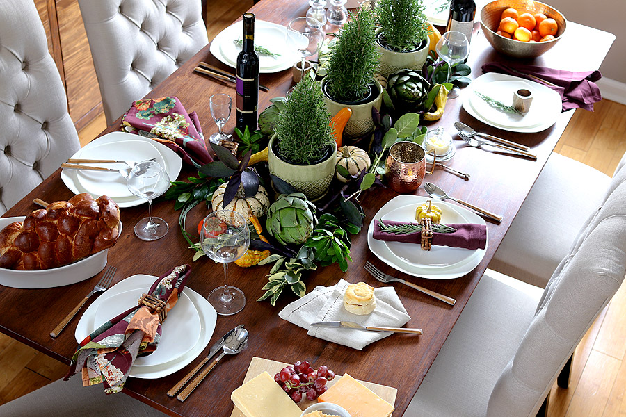 Thanksgiving table setting via Jen Woodhouse