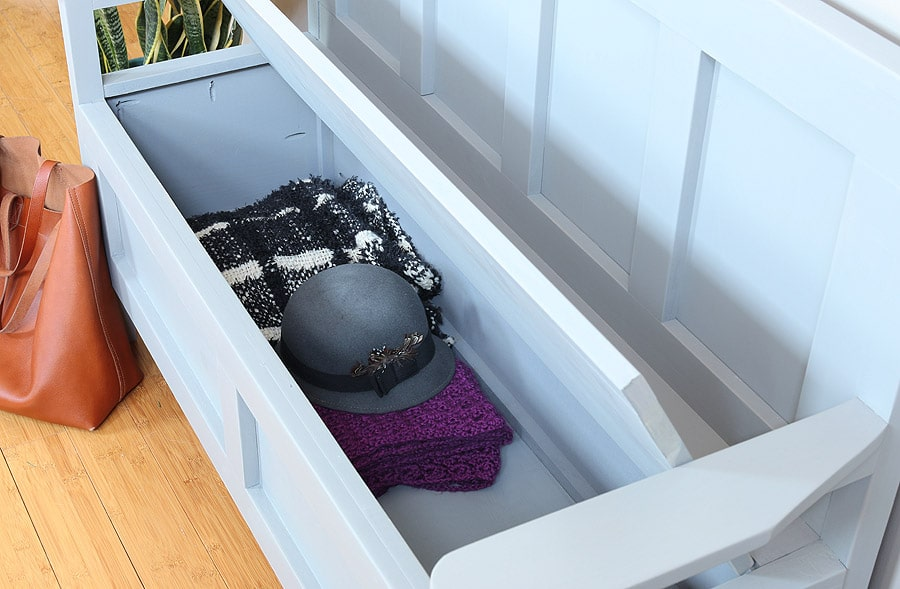 How to build a DIY Storage Bench. Free plans by Jen Woodhouse