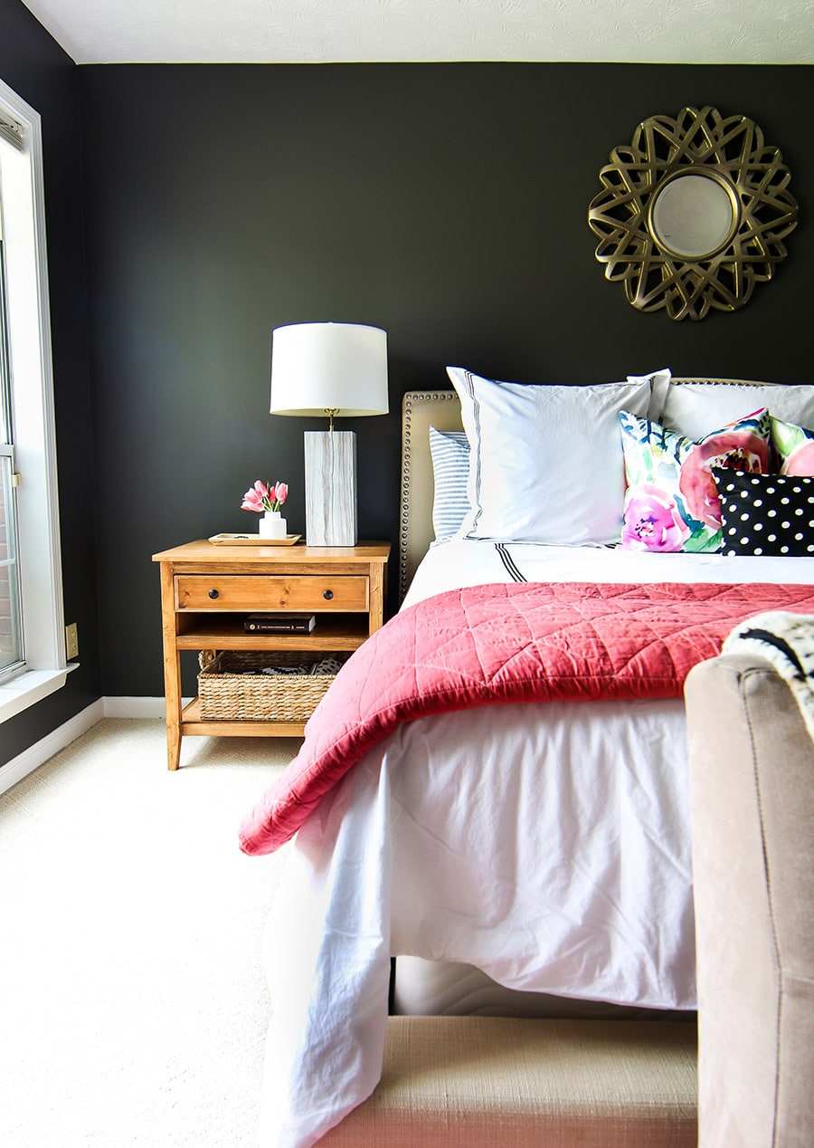 How to decorate your master bedroom for Spring