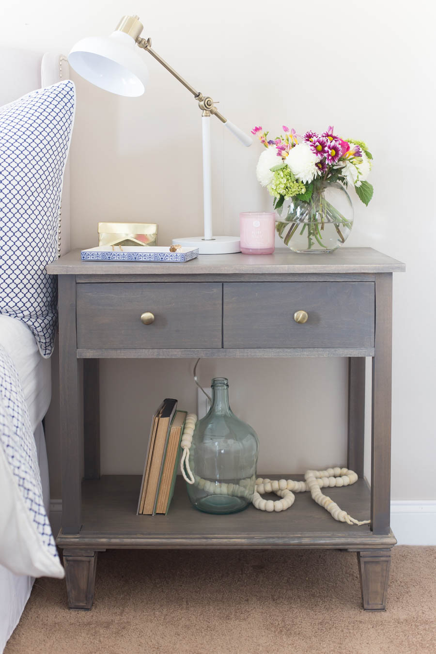 Diy pottery barn inspired sausalito bedside table for Nightstand plans
