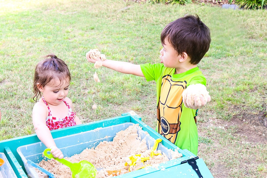 How to make a sand and water play table
