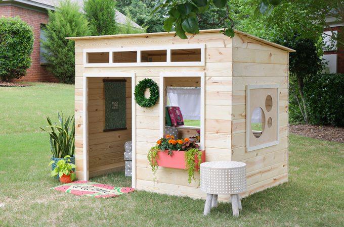 How to build an indoor kids' playhouse