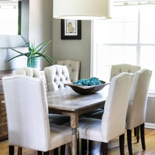 How to build a DIY Farmhouse Table in 5 easy steps. Easiest DIY dining table ever!