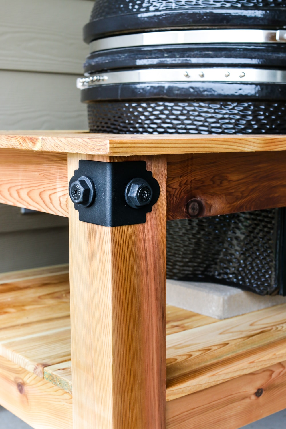 How to build a DIY kamado grill table with Simpson Strong-Tie Outdoor Accents