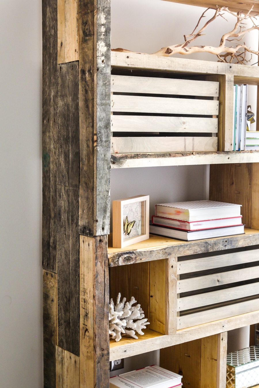 How To Build A Pallet Bookshelf