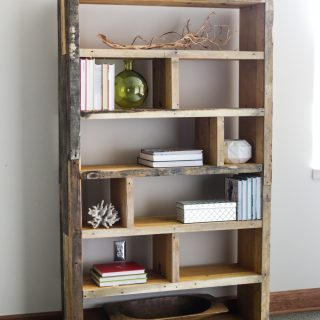 DIY Crates and Pallet Bookshelf