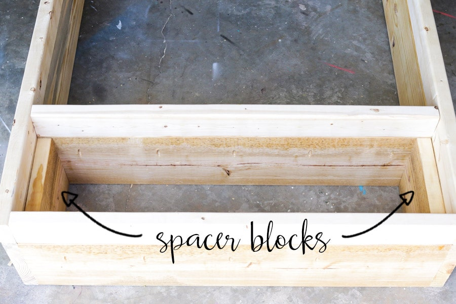 How to build a rustic DIY bookshelf with reclaimed pallet wood