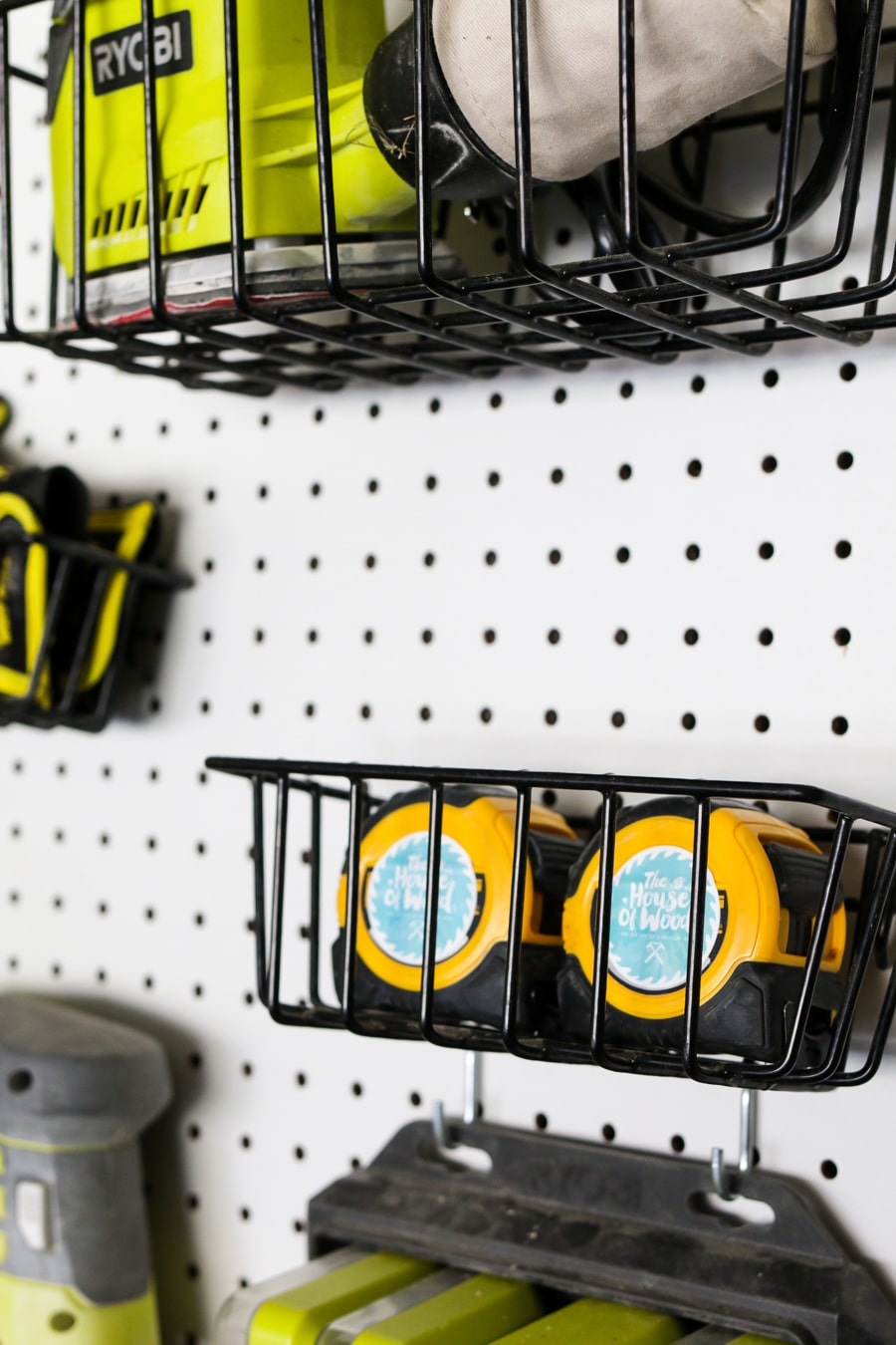 How to organize tools with pegboard