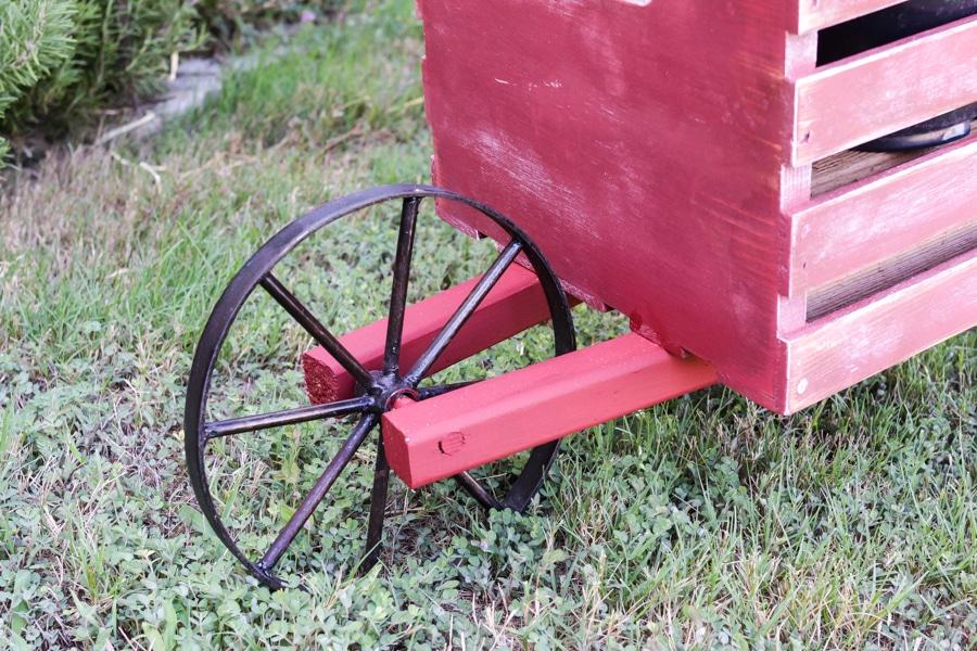 rustic-wheelbarrow-2