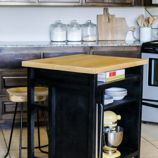 Need more workspace and storage in your kitchen? Learn how to build this DIY kitchen island on wheels! Free plans by Jen Woodhouse