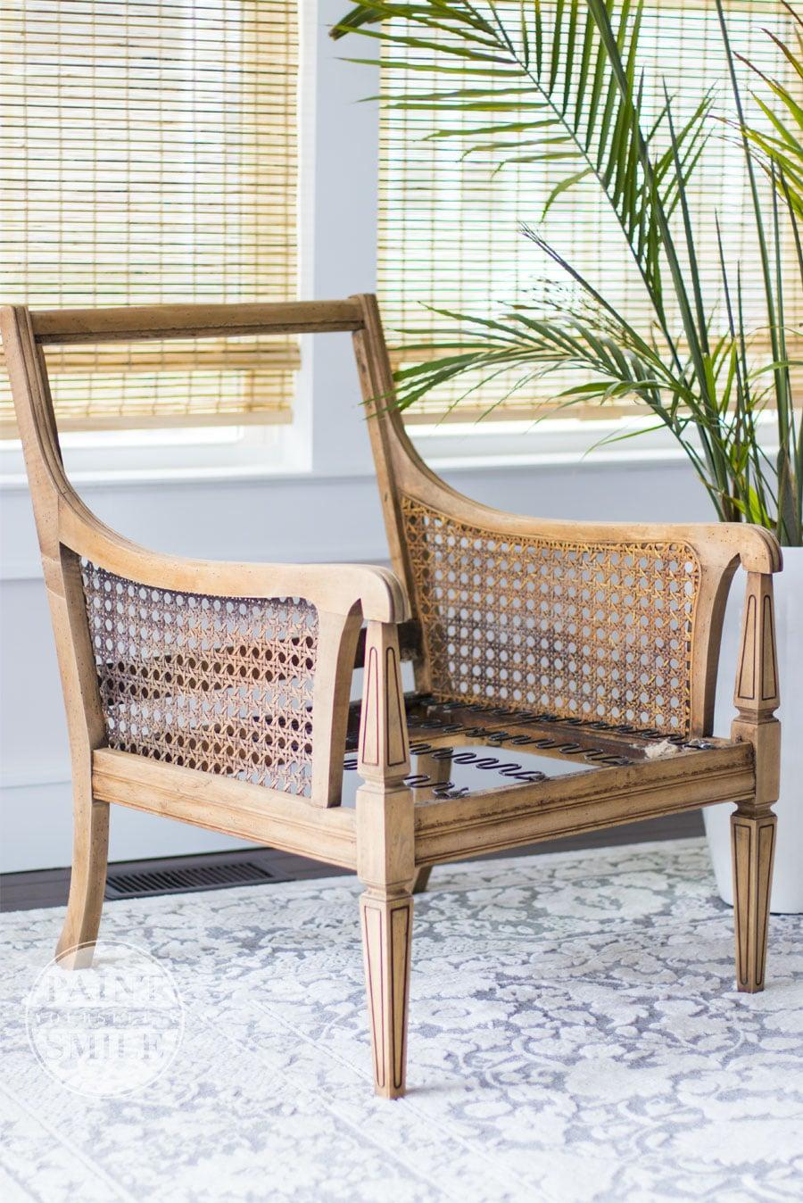Whitewash wood finish & tutorial. Simple steps to achieve gorgeous whitewashed wood
