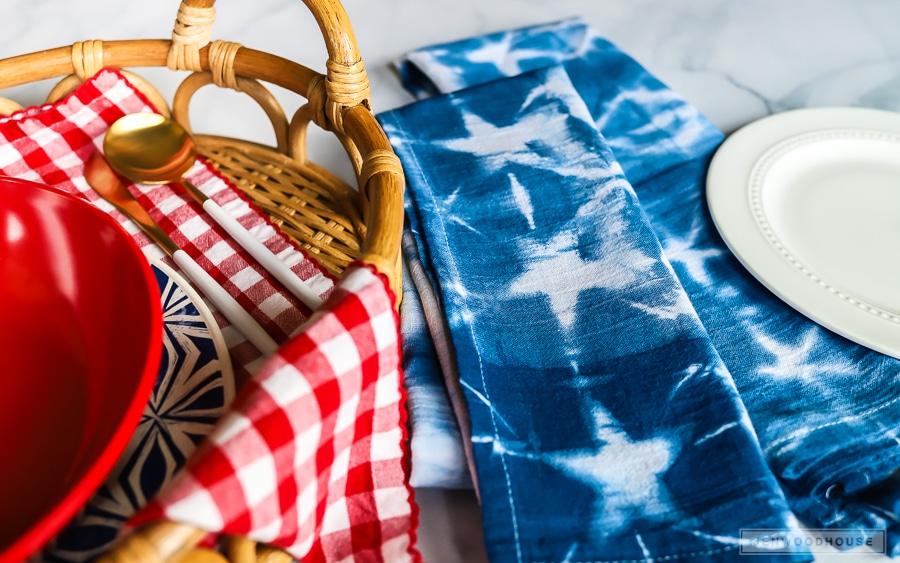 DIY shibori indigo dyed napkins - patriotic for summer!