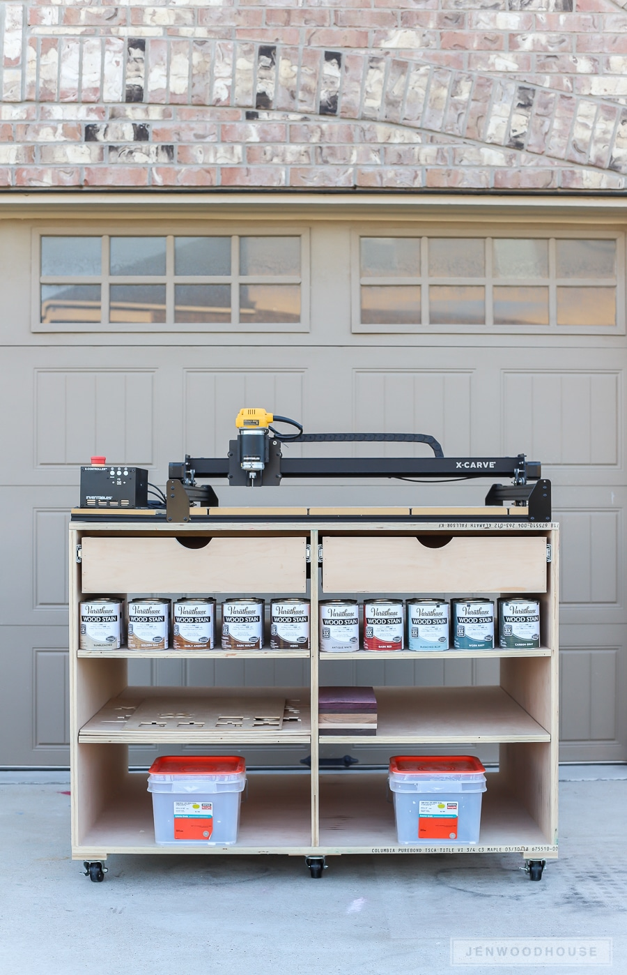 How to build a DIY mobile workbench with drawers and shelves