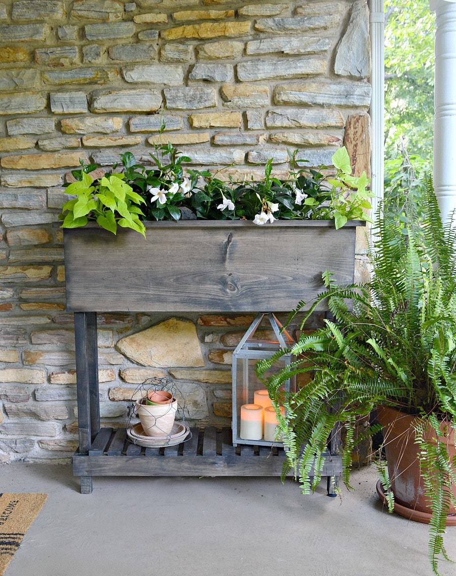 How to build a DIY wood planter