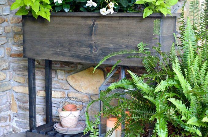 How to build a DIY wood planter