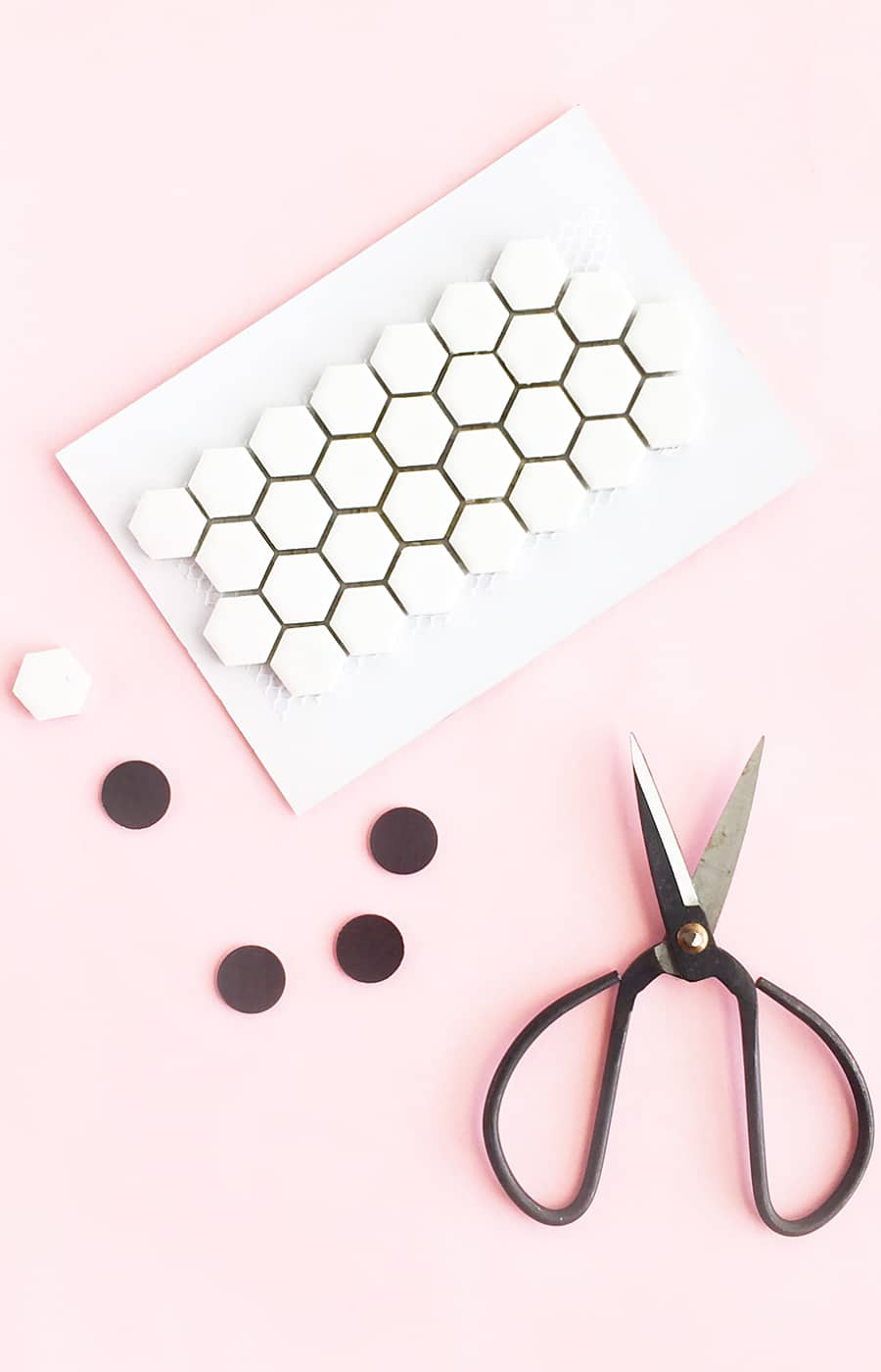 DIY Patterned Magnets From Leftover Or Sample Tiles - take your extra tiles and make pretty patterned magnets with them. Click through for the tutorial!
