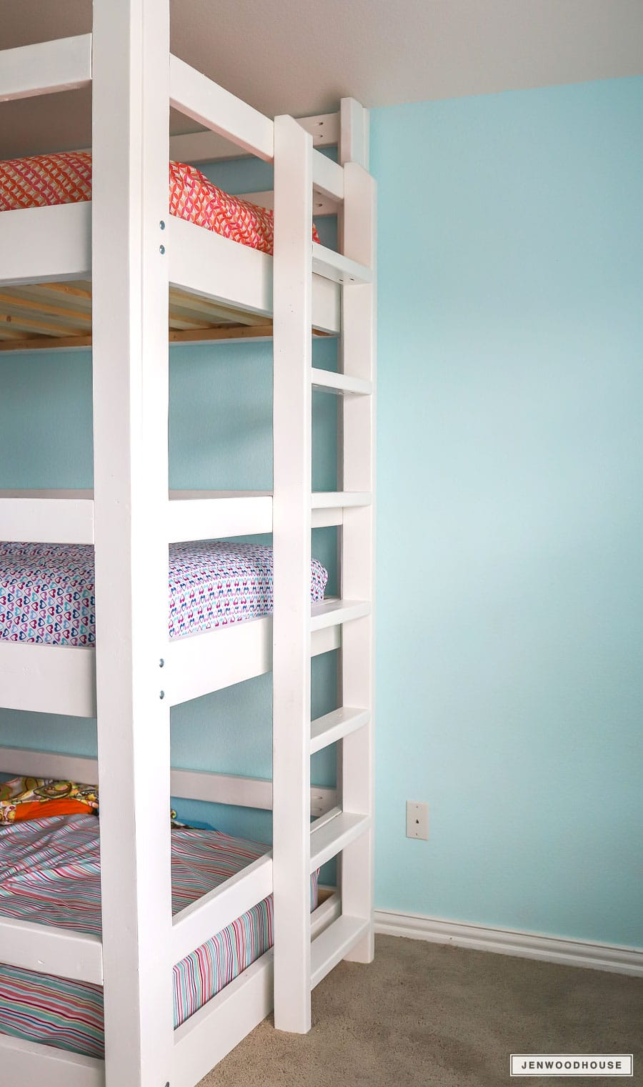 How To Build A Diy Triple Bunk Bed Plans And Tutorial