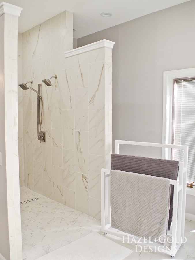 DIY Freestanding Towel Rack- with towels near shower finished vertical