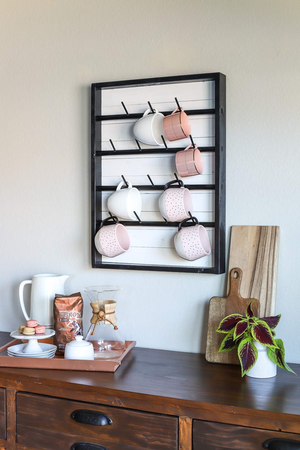 How To Make A Diy Wall Mounted Coffee Mug Display Rack