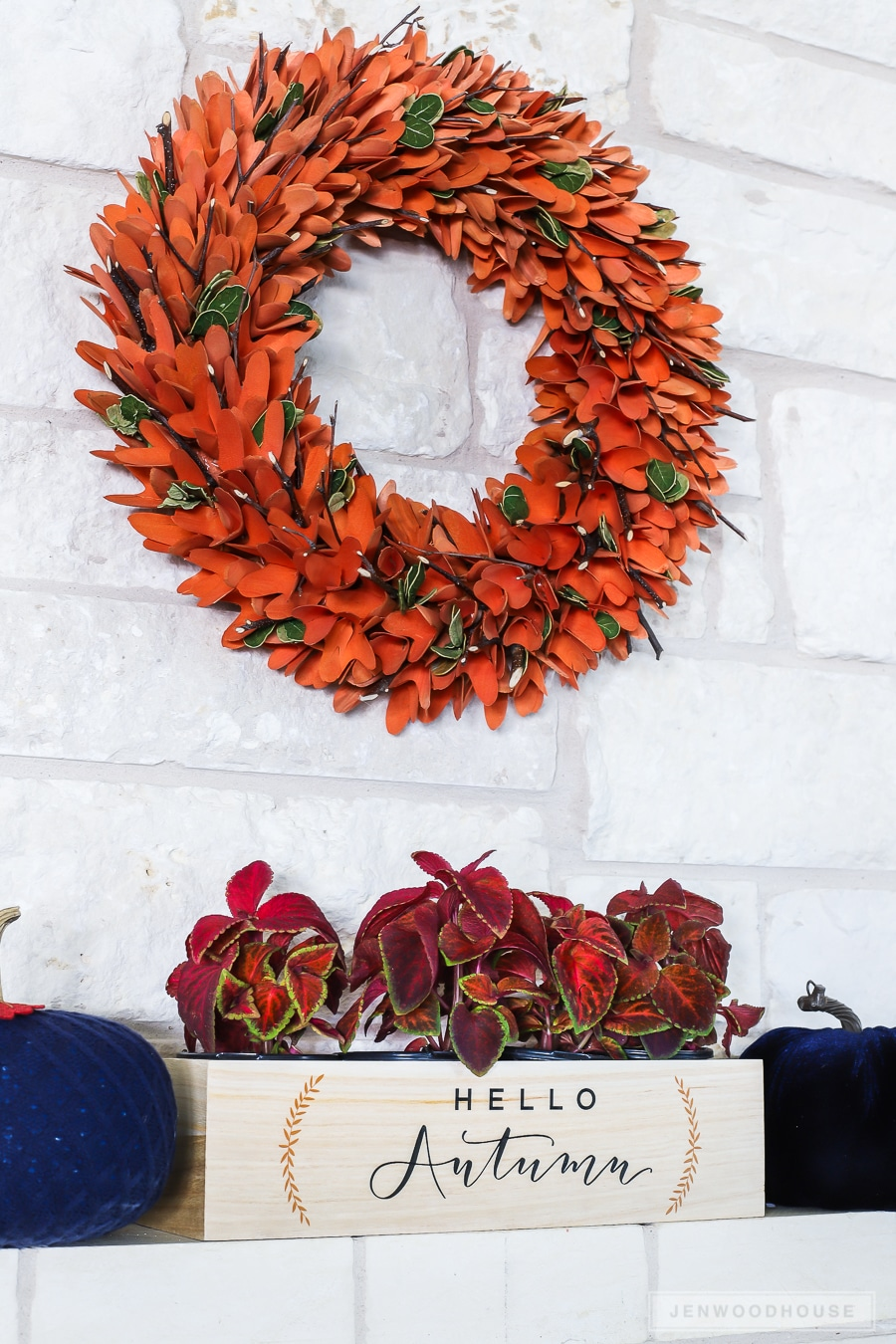 Autumn decorating for the fireplace mantel