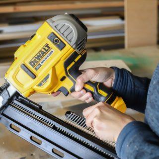 Dewalt 21-Degree Cordless Framing Nailer Tool Review