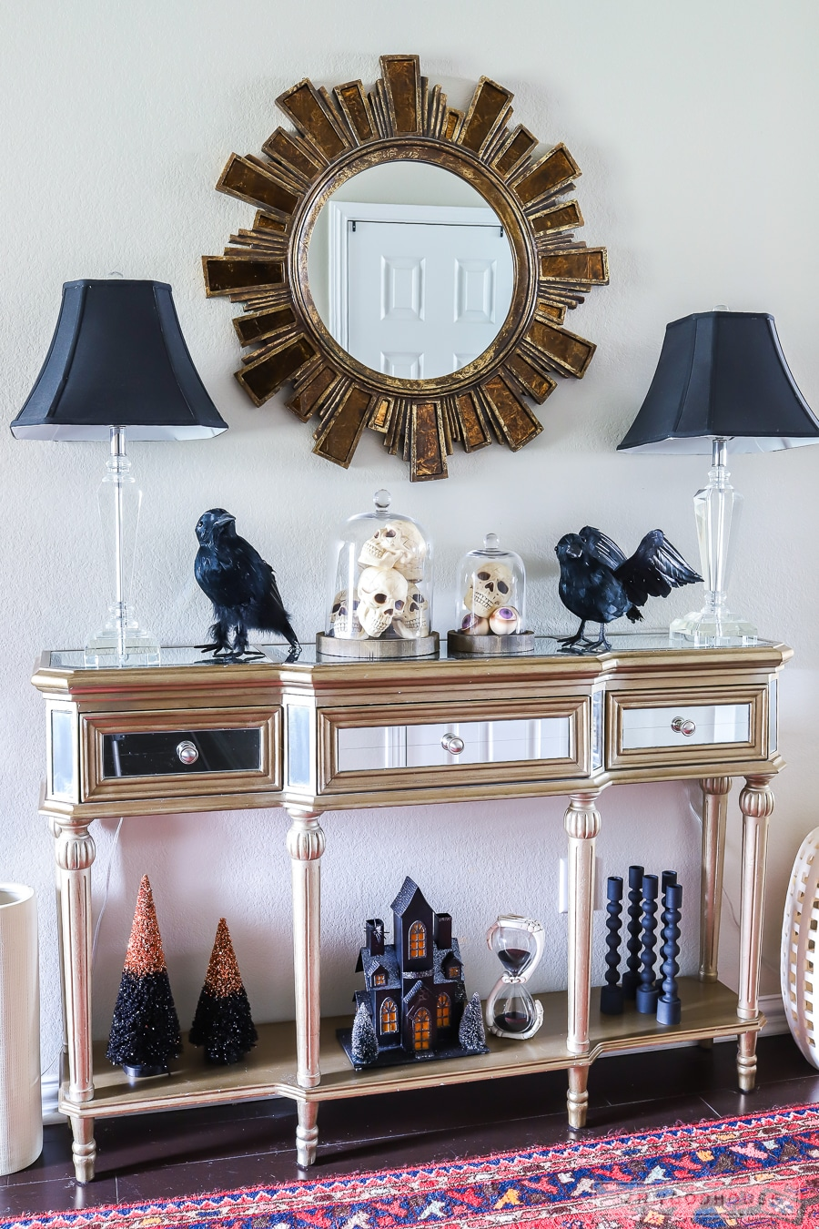Spooky Halloween entryway decor