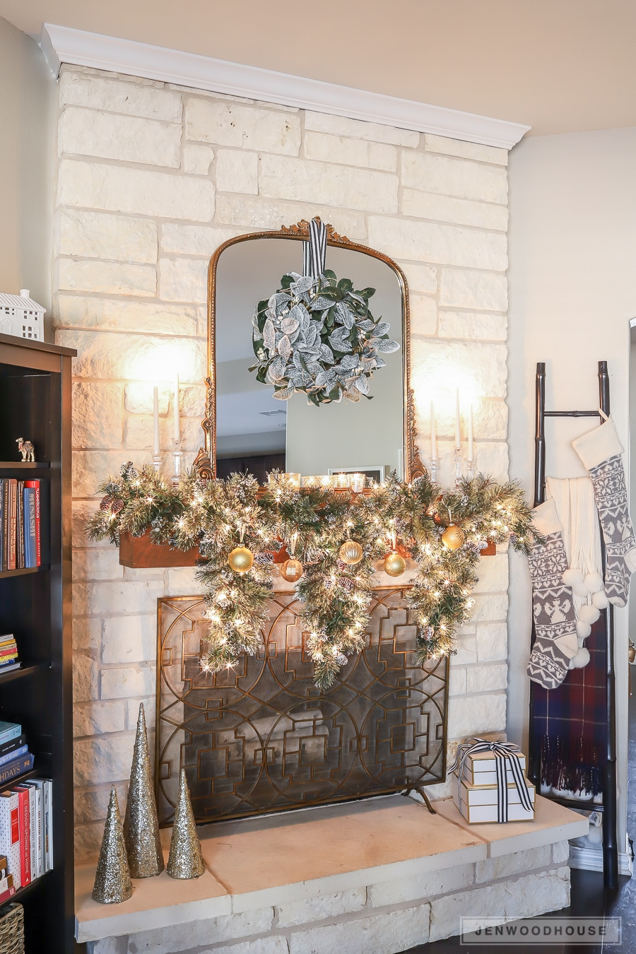 3 Ways To Decorate Your Fireplace Mantel For The Holidays