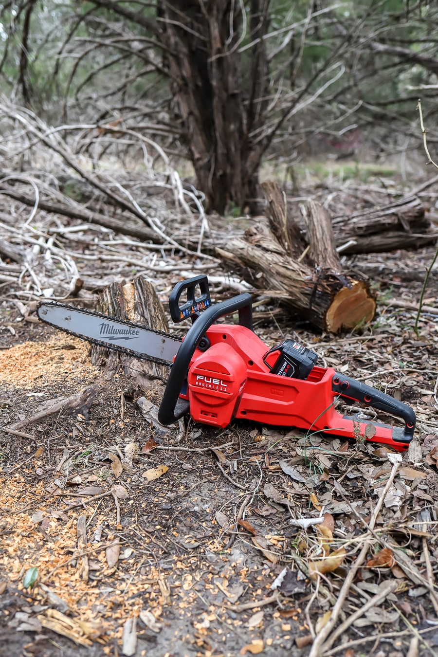 Milwaukee Battery-Powered Chainsaw Tool Review