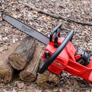 Milwaukee Cordless Chainsaw Tool Review