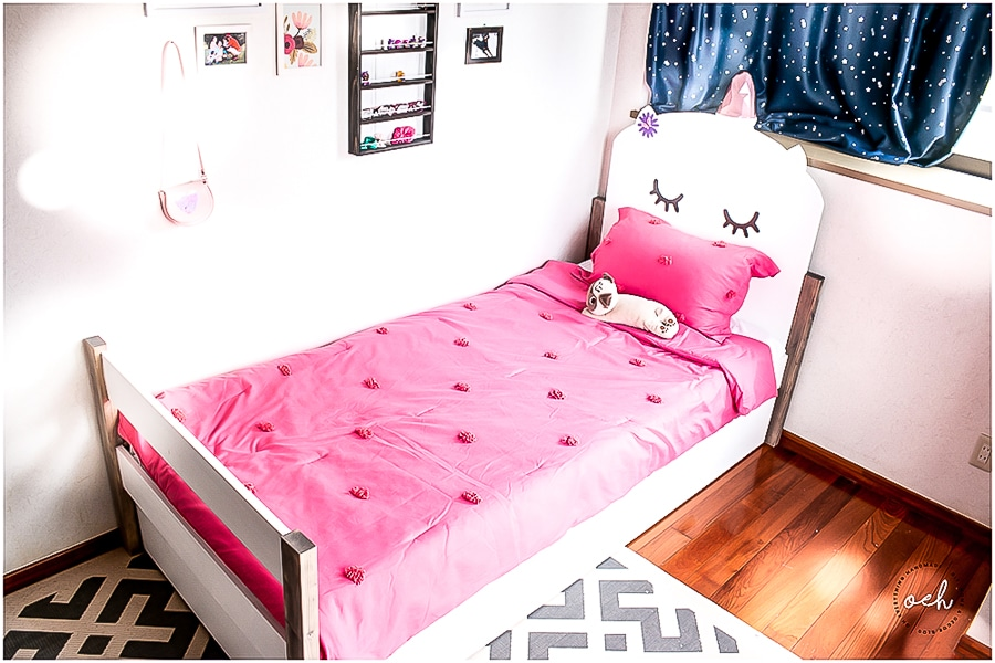 How to build a trundle bed - twin size with kitten headboard. Plans by Jen Woodhouse