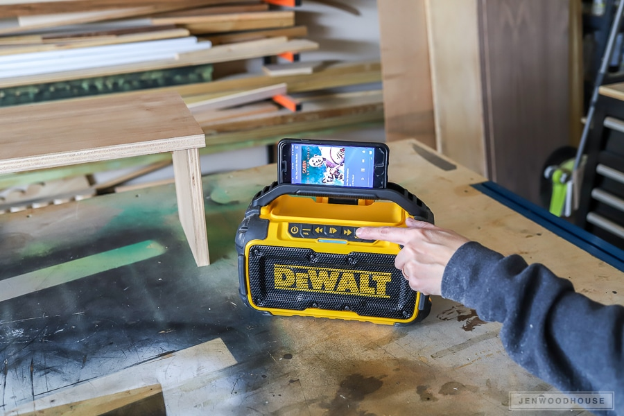 Dewalt bluetooth speaker tool review