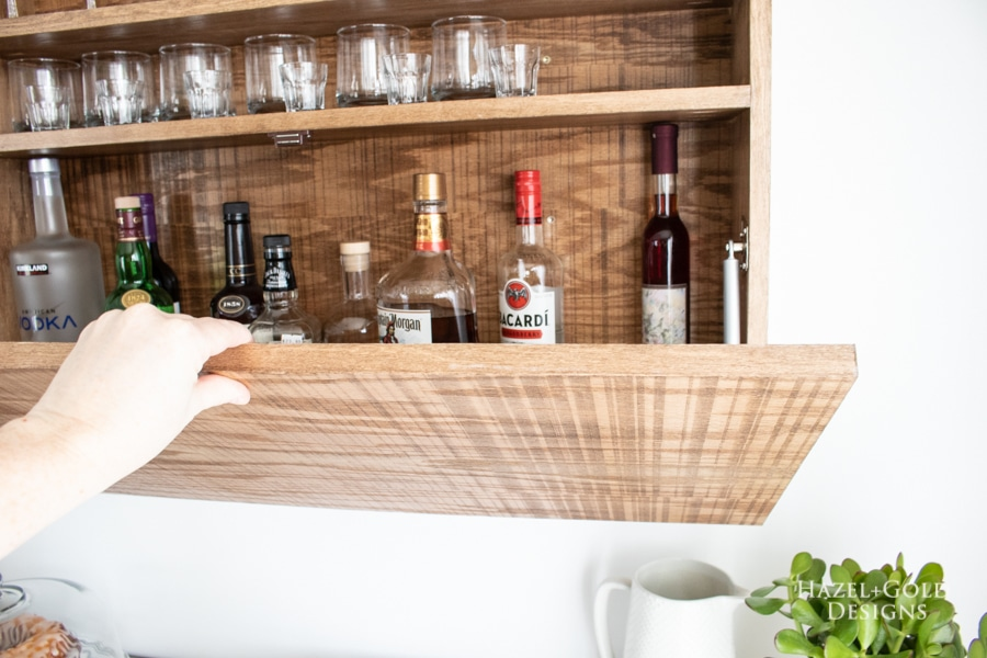 How to make a wall-mounted bar cabinet
