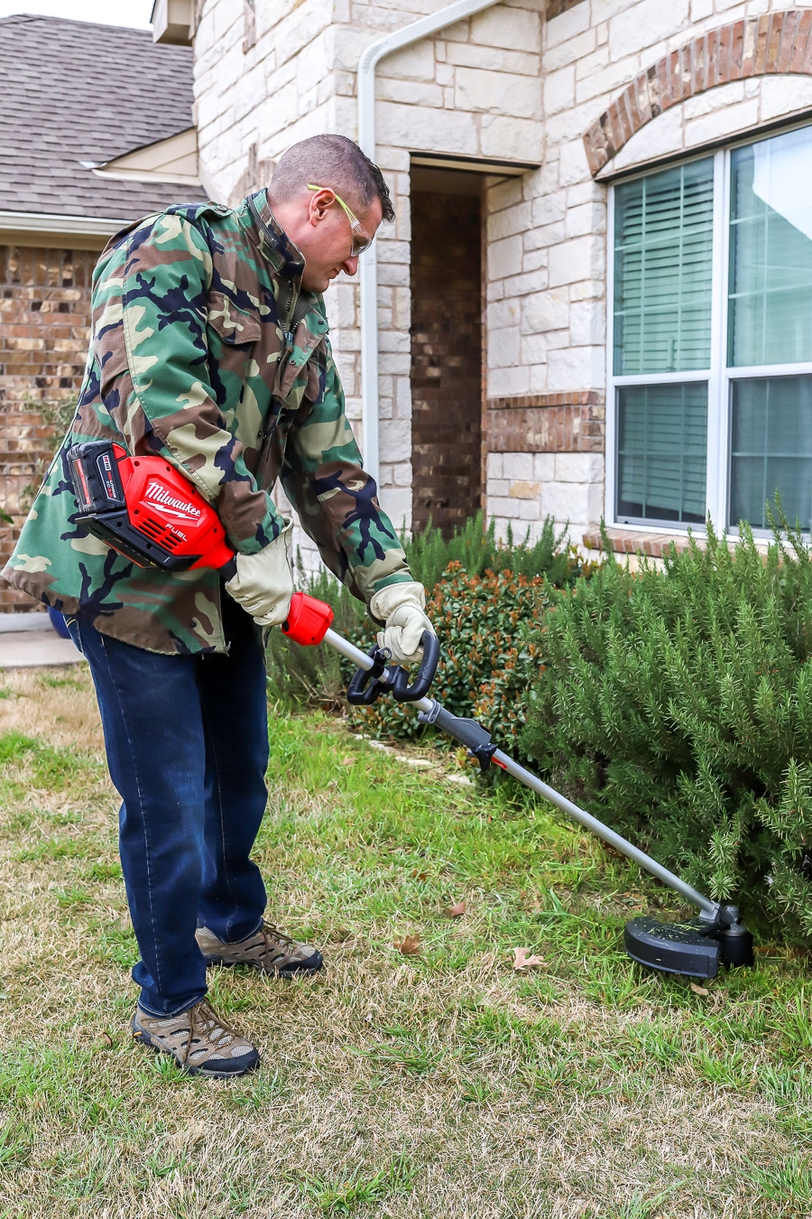 Tool Review of the Milwaukee Cordless String Trimmer