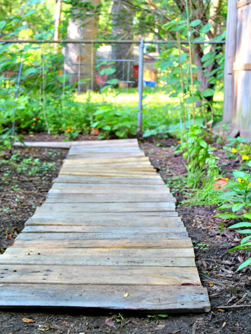 23 Diy Outdoor Projects To Spruce Up Your Backyard The House Of Wood