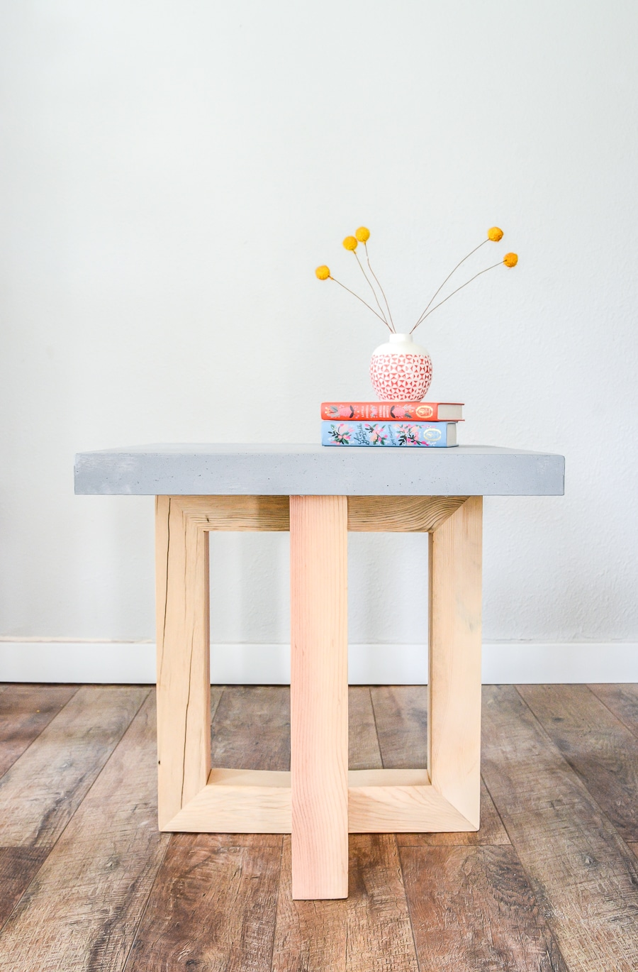 How to make a DIY geometric concrete and wood side table