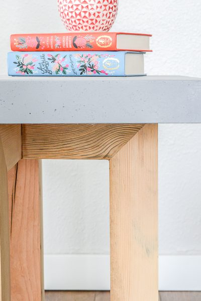 How to make a DIY side table with a concrete top geometric design