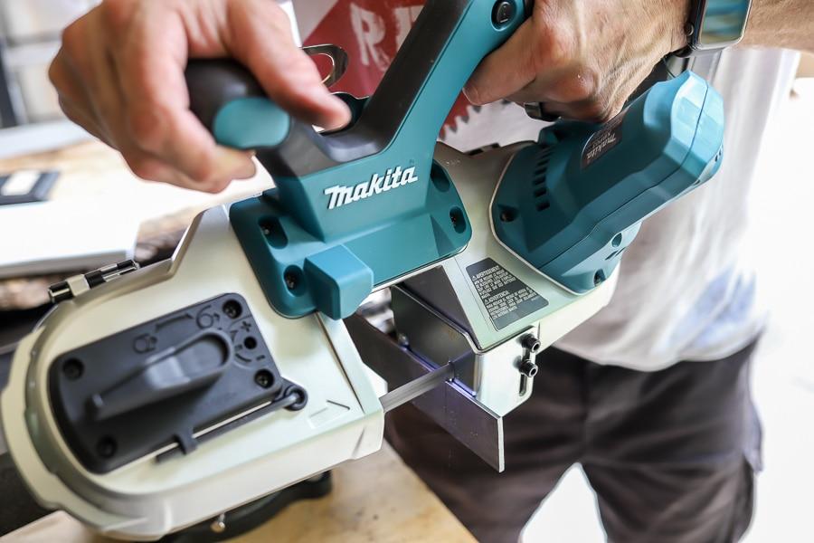 Tool review of Makita Cordless Bandsaw