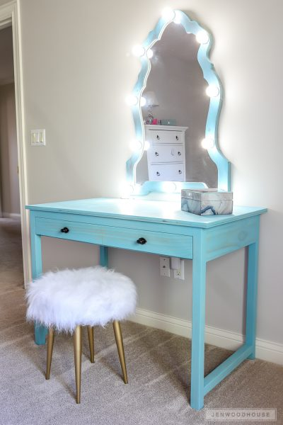 How to build a DIY makeup vanity with lighted mirror