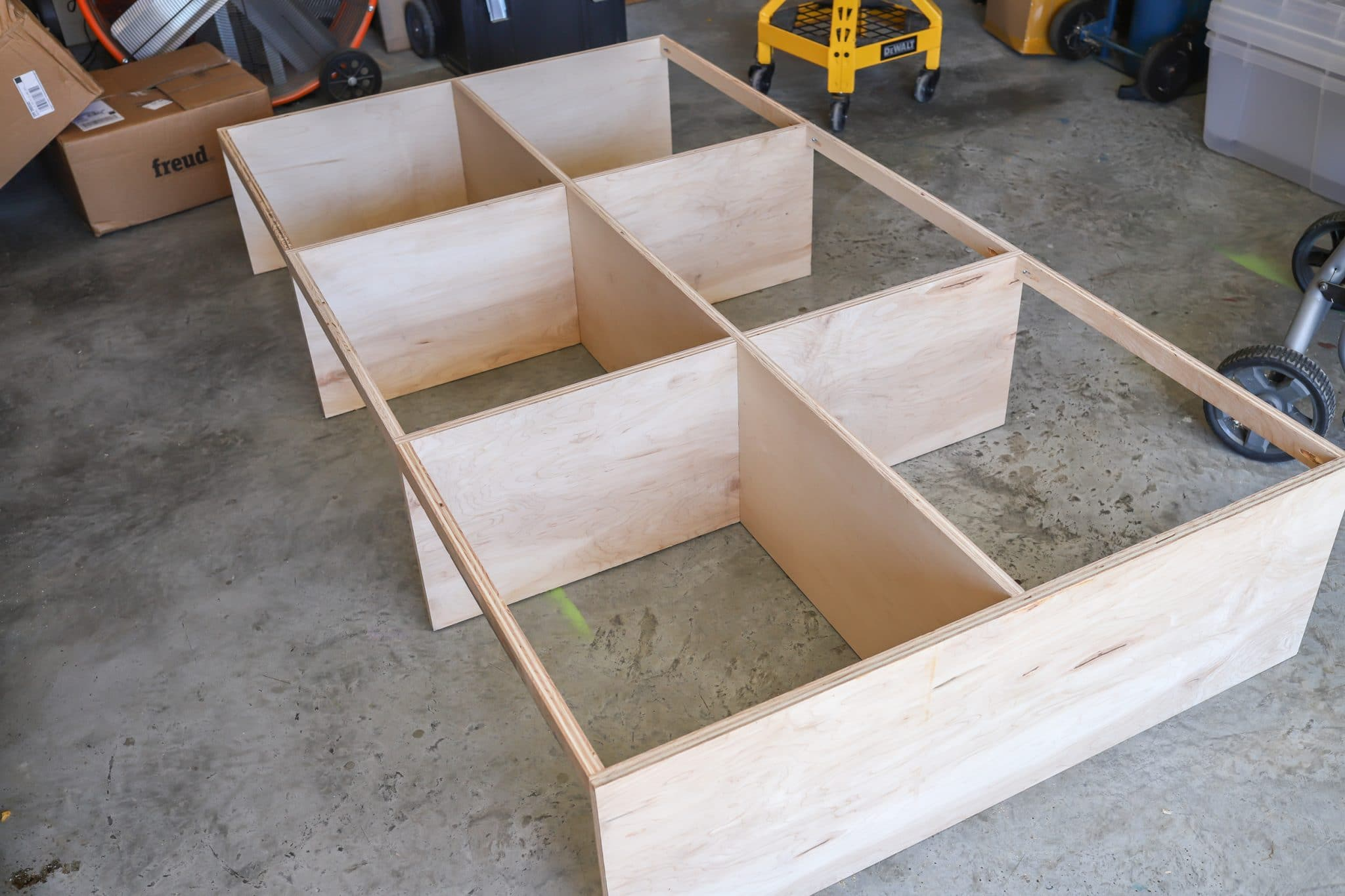 How to build a DIY Kids Platform Bed with Drawers