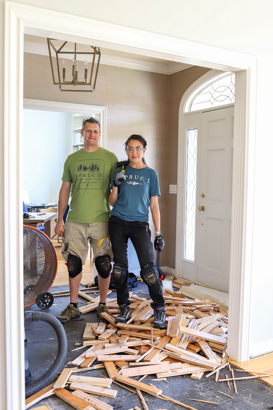 How to remove hardwood flooring in an afternoon